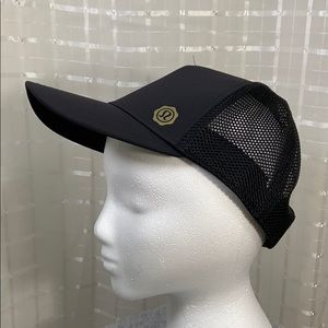 Lululemon 2016 SeaWheeze Hat NWOT Black XS/S